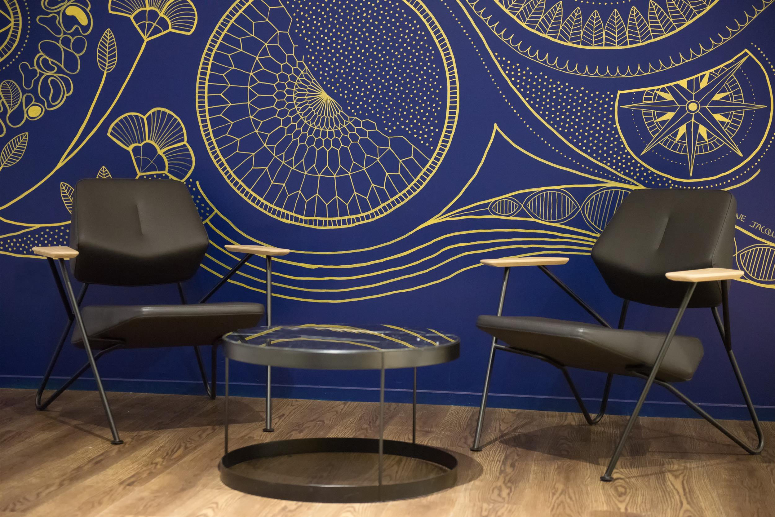 BY CLEMENT REISKY-MOBILIER PROFESSIONNEL