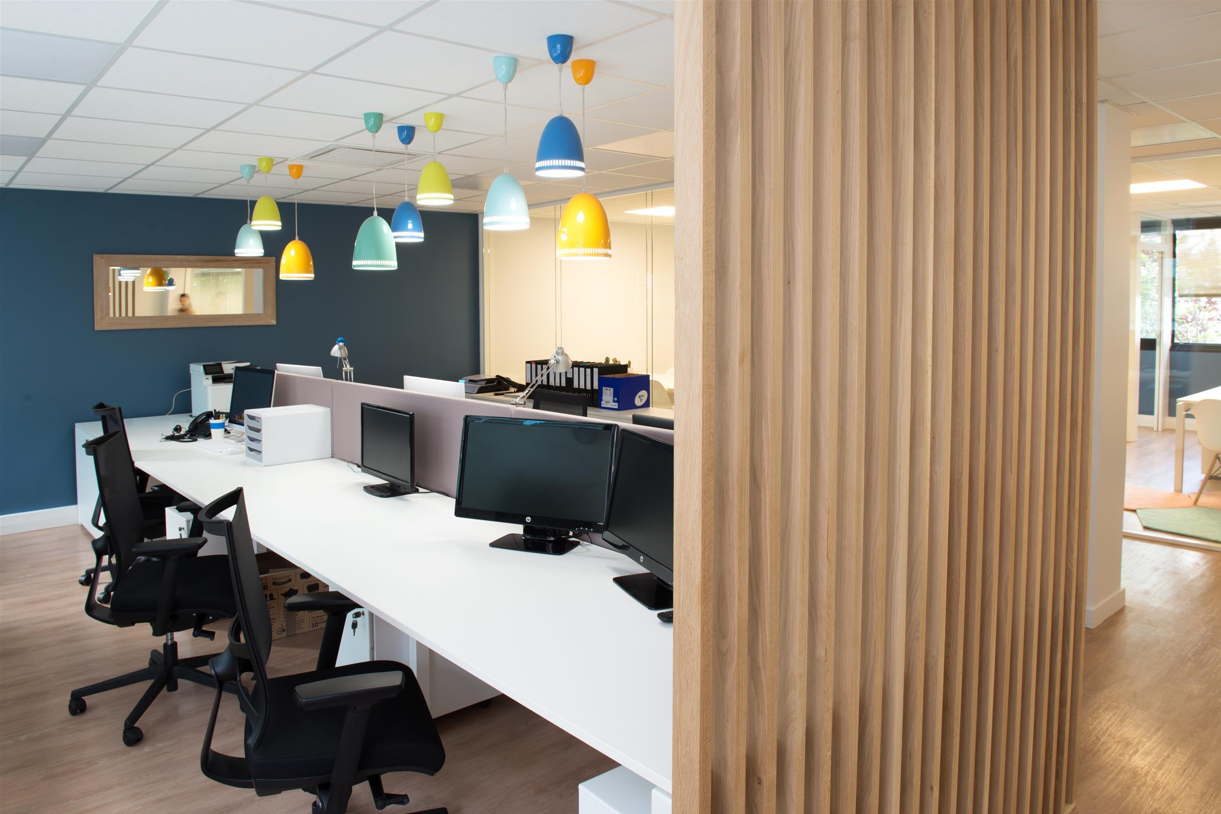 luminaires-suspensions-open space-table connectée-fauteuil