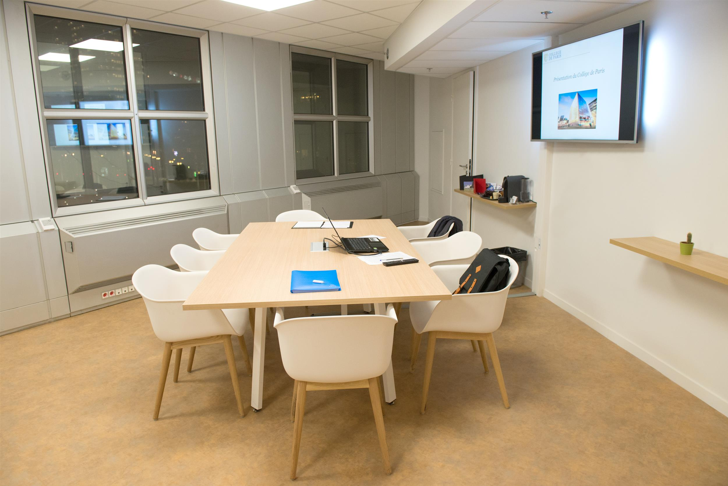 Fauteuil PVC-salle visio-Table de réunion