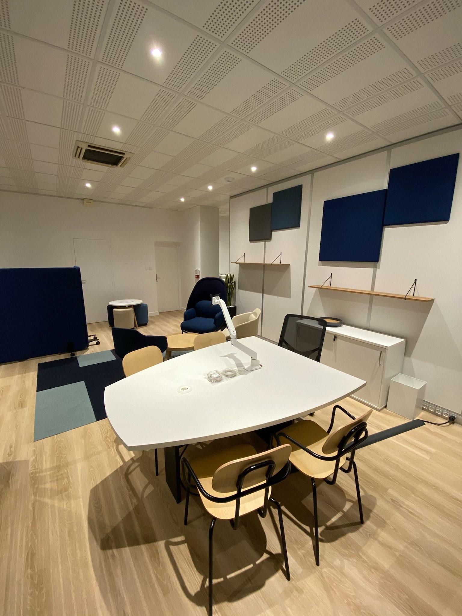 La France Mutualiste - Bureau CMA, chaises visiteurs, bois