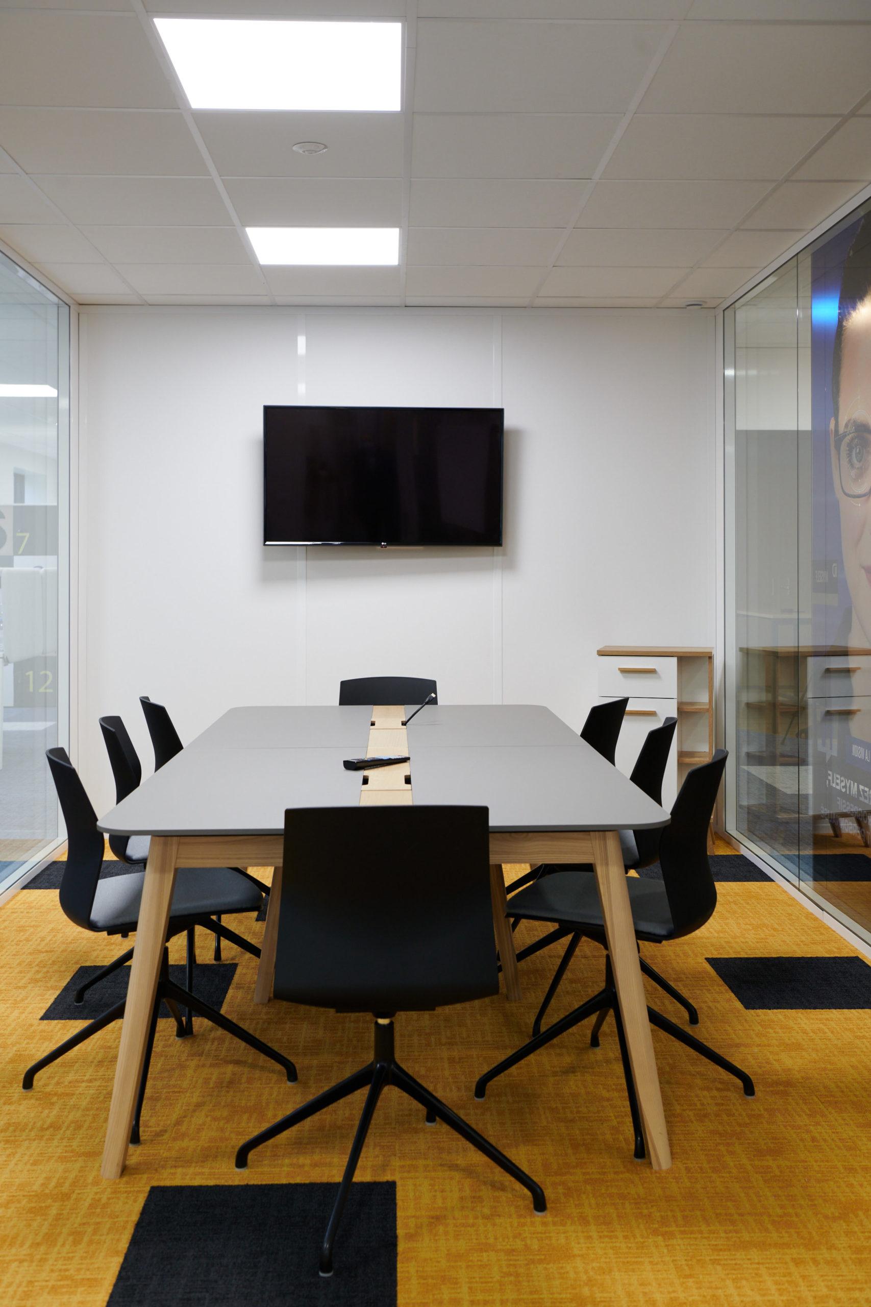 Hoya-table de réunion-écran vidéo-cloison vitré