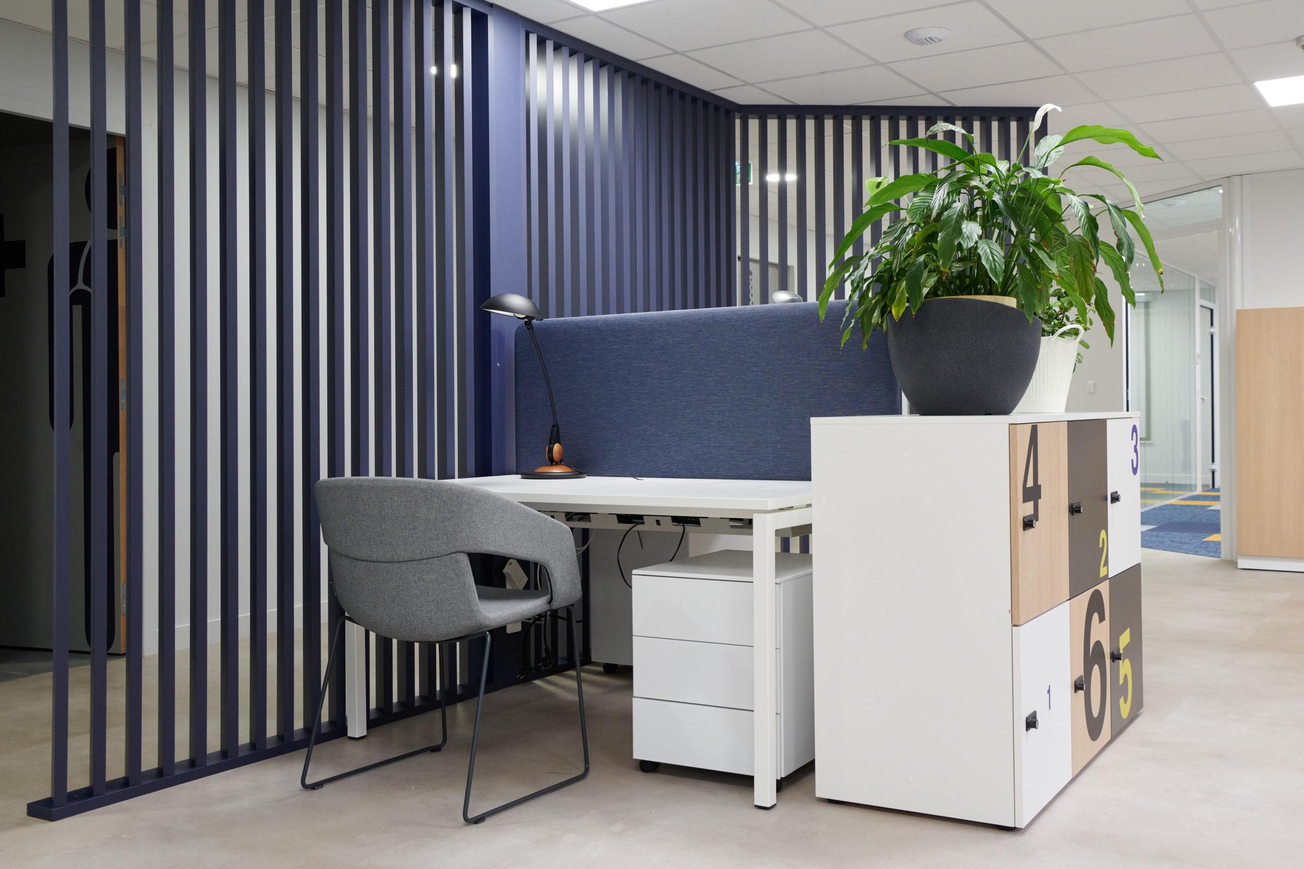Hoya-bureau-fauteuil-casiers-claustra