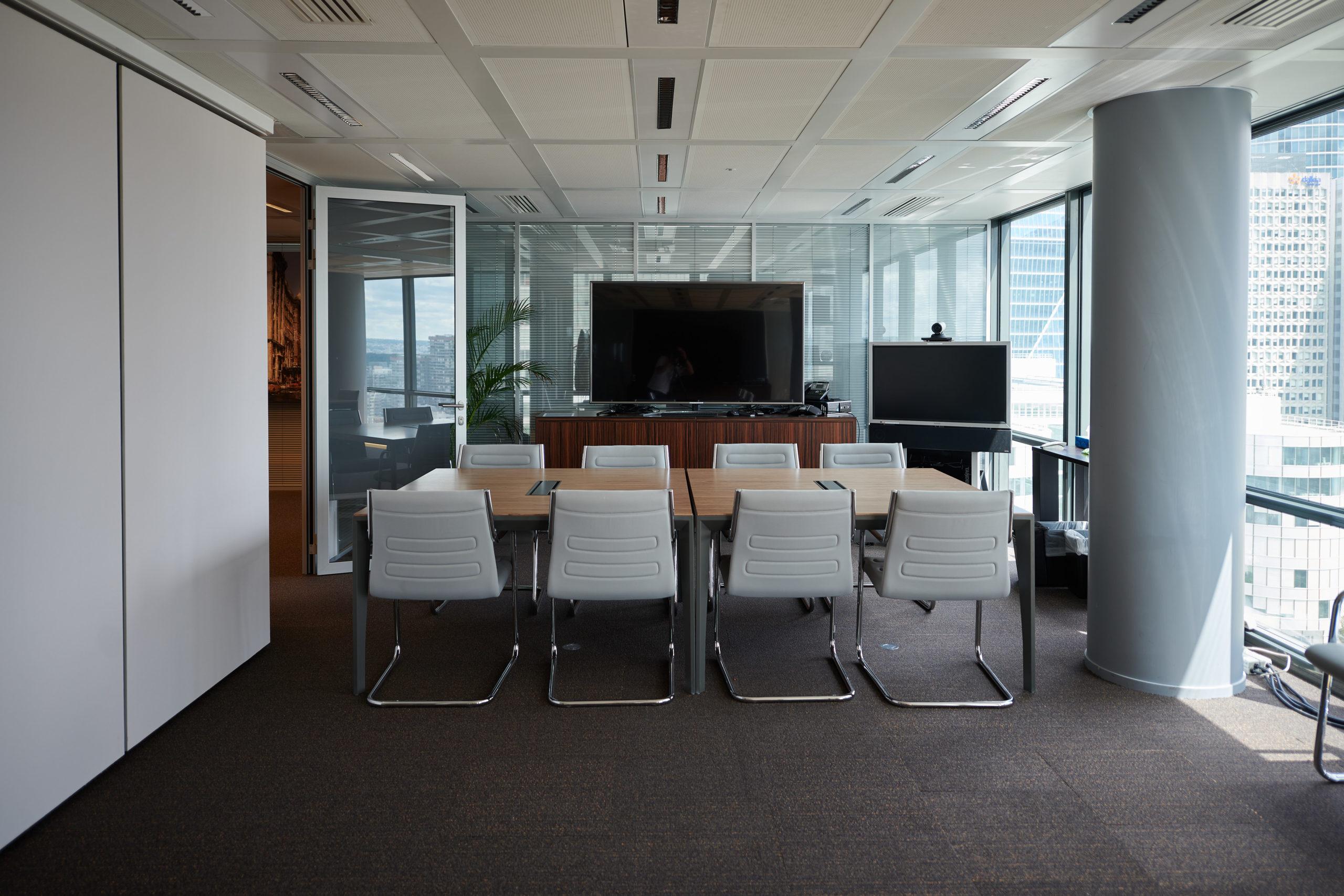 HDI-armoire sur mesure-table de réunion-fauteuil