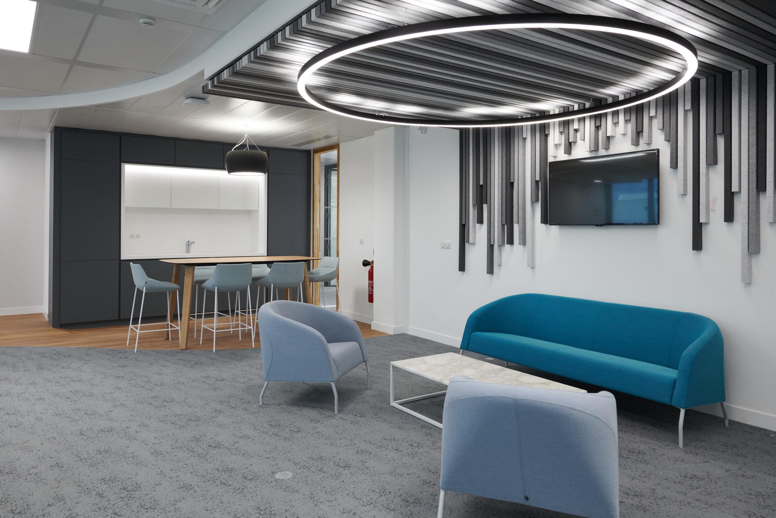 Skema-espace informel-fauteuil confort-table basse