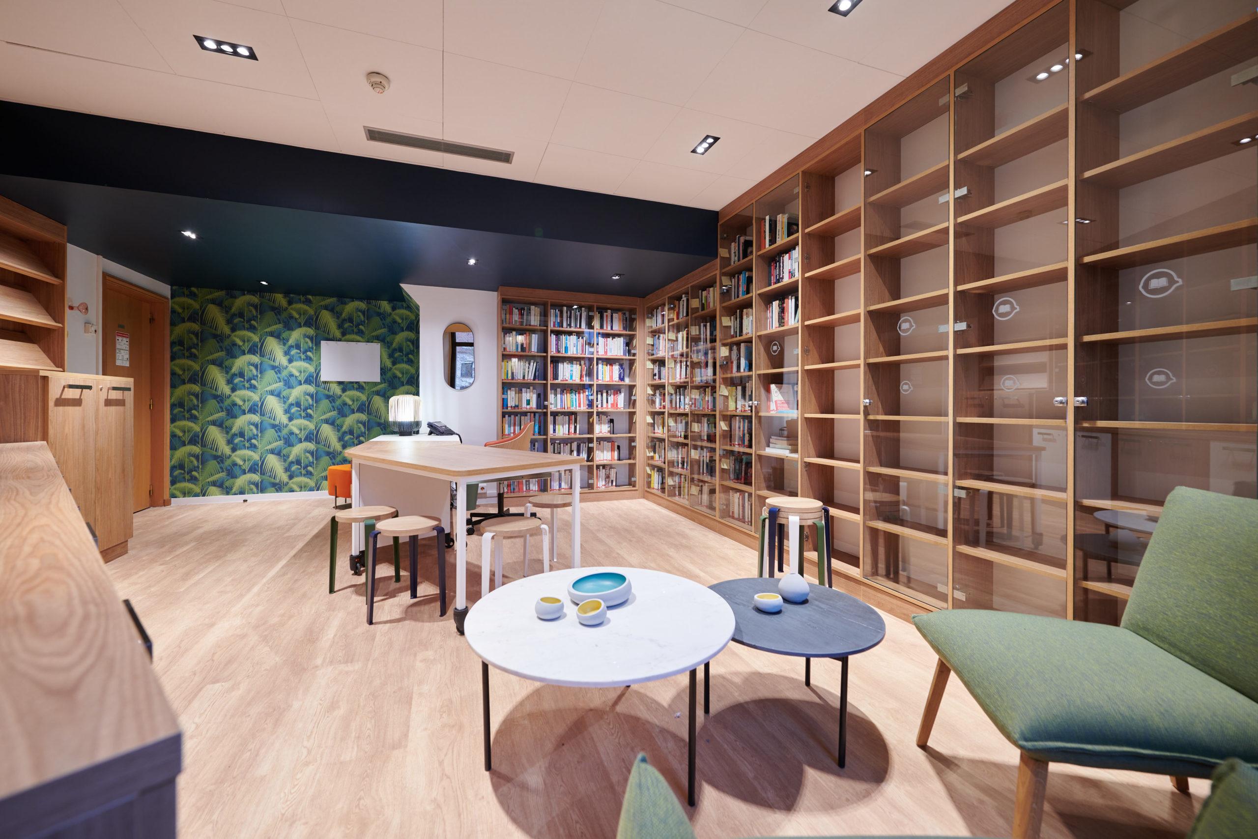 Savencia-Espace détente-bibliothèque