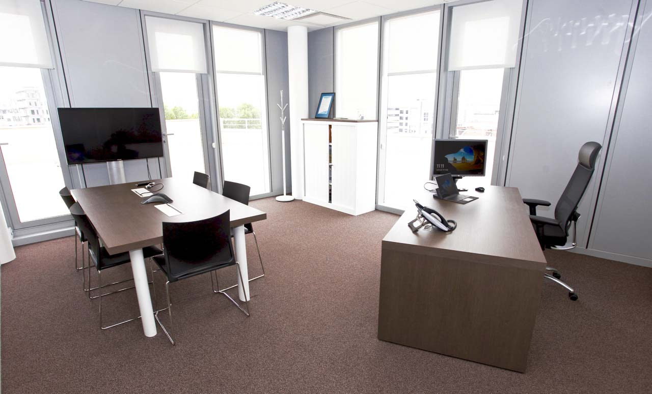 bureau-connect-avec-petite-table-connectee