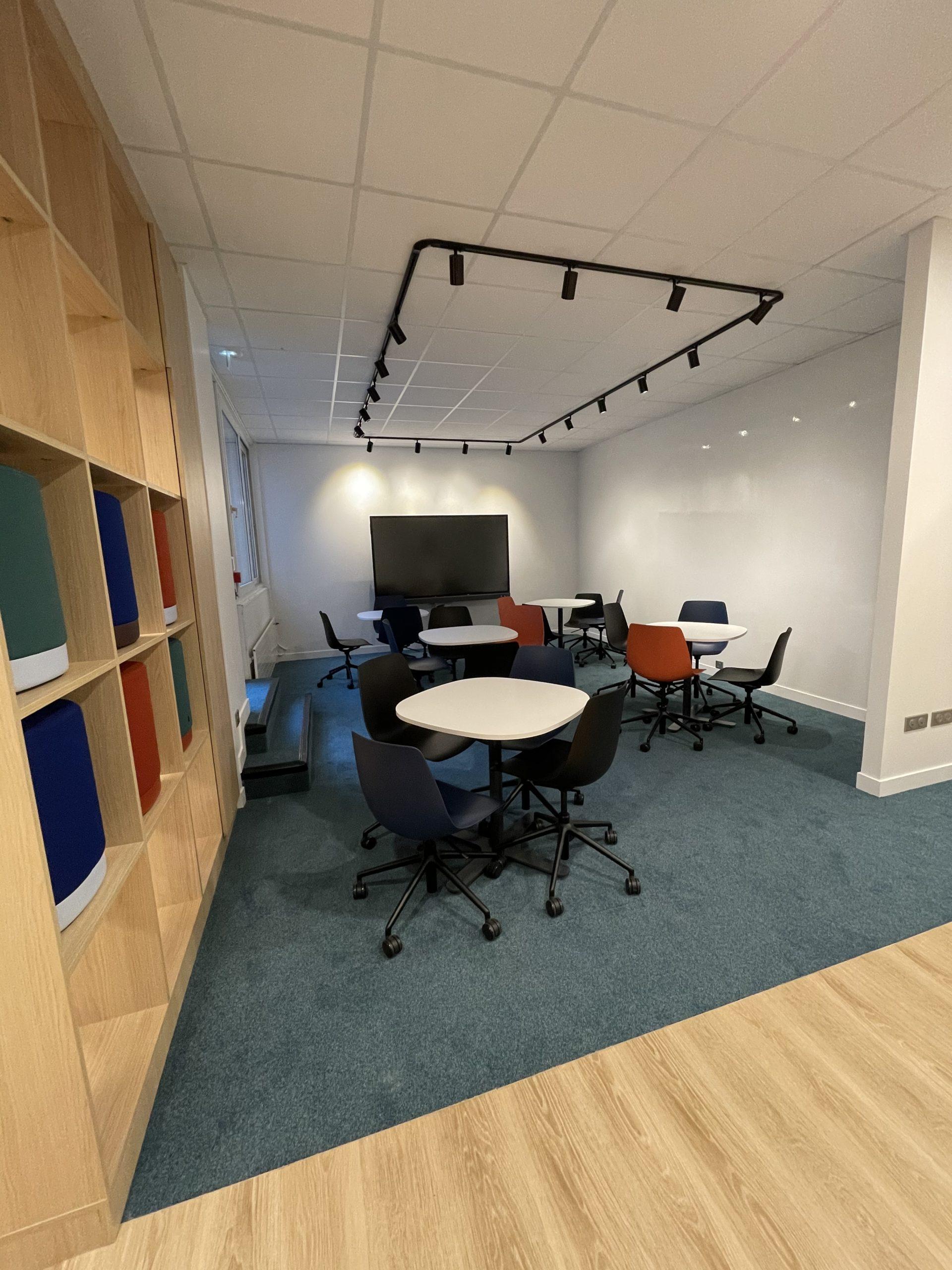 Espace de travail, sol PVC, moquette
